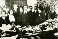A group photo taken at M.O Gershenzon's wake in 1925
