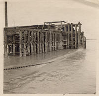 Railroad pontoon bridge over the Missouri