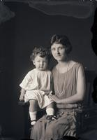 Knust, Mrs. and child