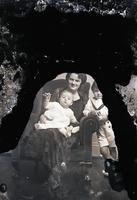 Unidentified-Group (mother and two children) 4-461