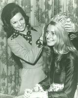 Newcomb College Homecoming Queen, Joni Anderson