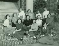 Newcomb College students, 1953
