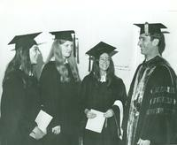 Newcomb College, Dean Charles D. Hounshell and seniors, 1969
