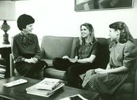 Newcomb College, Dean Sara Chapman with students