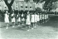 Newcomb College Daisy Chain