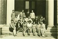 Newcomb College students, [1930]